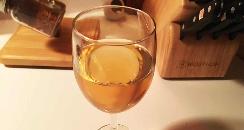 sweet honey mead with apple butter